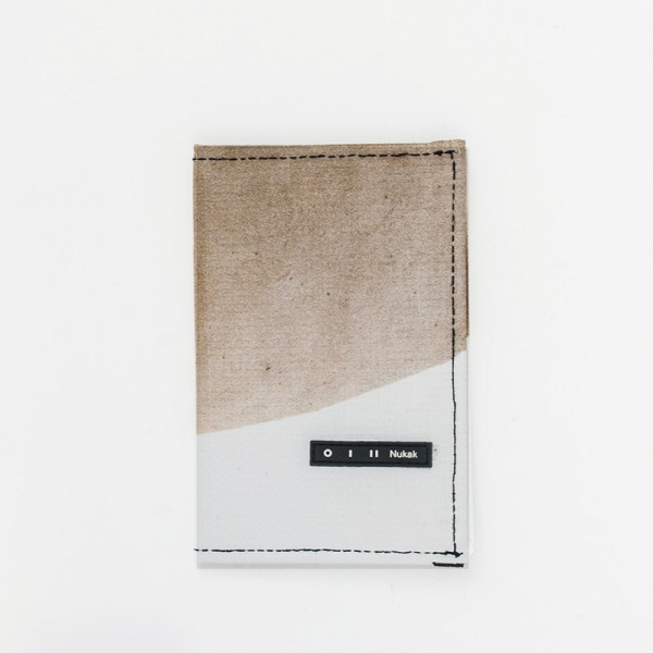 PASSPORT HOLDER GIFFER WHITE AND BROWN