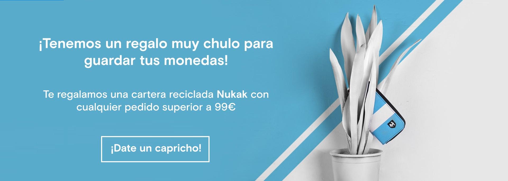 Un regalo de Nukak de cartera reciclada para tí por cualquier pedido superior a 99€